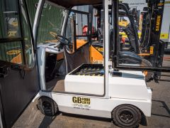 Bradshaw T6 Tow Tractor (used)